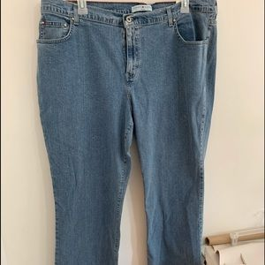 Nwt Tommy Hilfiger 22w Stretch bootcut Jean